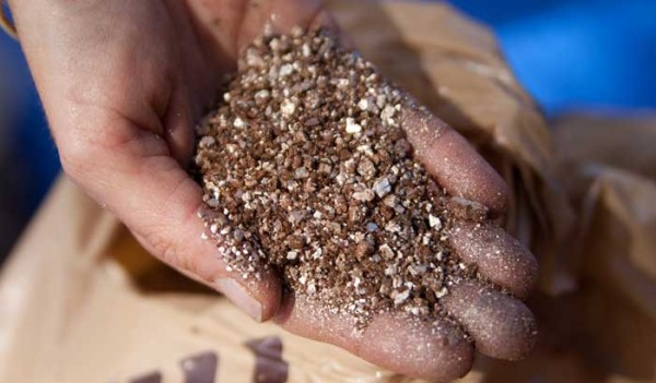 The Pros and Cons of Vermiculite